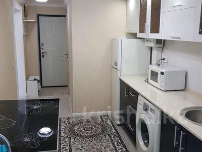 1-комнатная квартира, 32 м², 3/4 этаж посуточно, улица Байтурсынова 5 — Туркестанская за 8 000 〒 в Шымкенте, Аль-Фарабийский р-н