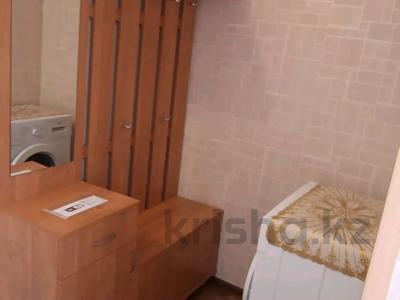 1-комнатная квартира, 46 м², 4/5 этаж посуточно, Гарышкерлер 56 — Байконурова за 6 000 〒 в Жезказгане — фото 4