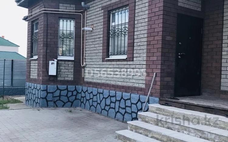 4-комнатный дом, 160 м², 10 сот., Кварталл Энергетик 32а — Сатпаева за 25 млн 〒 в Каргалинском (Жилянке)