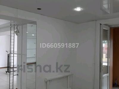 Магазин площадью 100 м², улица Ибраева 152 за 35 млн 〒 в Семее — фото 2