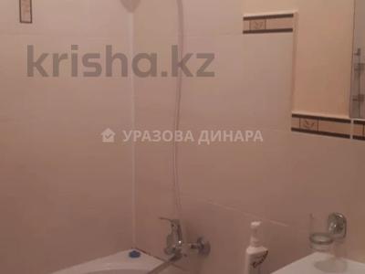 1-комнатная квартира, 45 м², 8/16 этаж помесячно, Торайгырова 2 — Сейфуллина за 100 000 〒 в Нур-Султане (Астана), р-н Байконур — фото 10