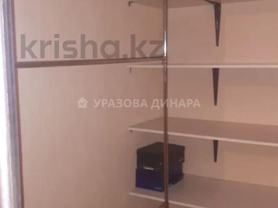 1-комнатная квартира, 45 м², 8/16 этаж помесячно, Торайгырова 2 — Сейфуллина за 100 000 〒 в Нур-Султане (Астана), р-н Байконур — фото 4