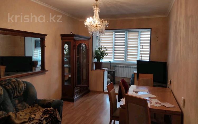 3-комнатная квартира, 72 м², 5/5 этаж помесячно, 12-й мкр 11 за 100 000 〒 в Актау, 12-й мкр
