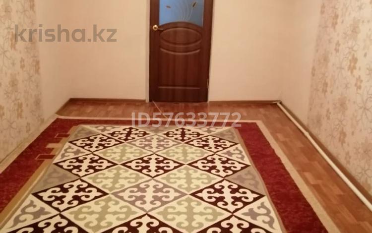 2-комнатная квартира, 36.7 м², 2/2 этаж, Жургенова за 5 млн 〒 в Актобе, Старый город