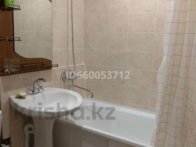 1-комнатная квартира, 31 м², 3/5 этаж посуточно, Алашахана 13 за 5 500 〒 в Жезказгане — фото 3