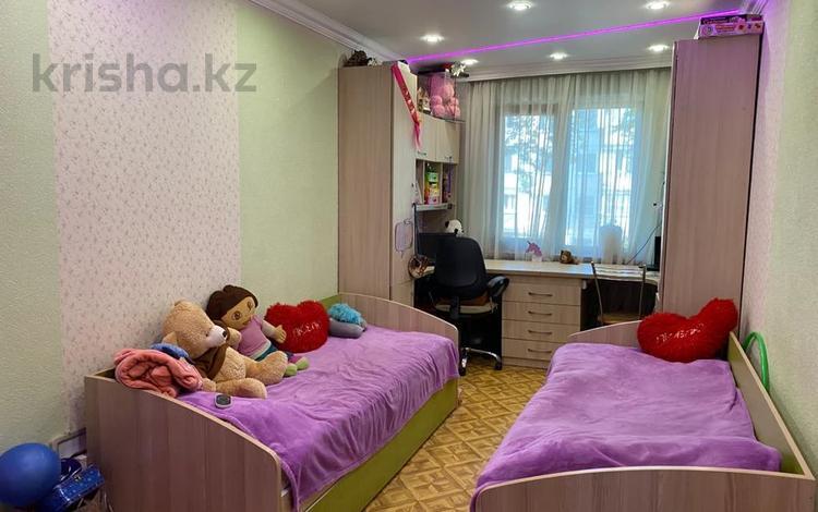 3-комнатная квартира, 53 м², 3/4 этаж, мкр №1, Мкр №1 — проспект Абая за 22 млн 〒 в Алматы, Ауэзовский р-н