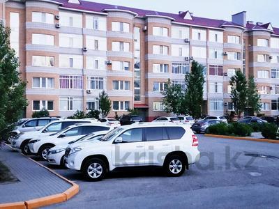 2-комнатная квартира, 105 м², 1/5 этаж посуточно, мкр. Батыс-2, Молдагуловой 54а за 11 990 〒 в Актобе, мкр. Батыс-2