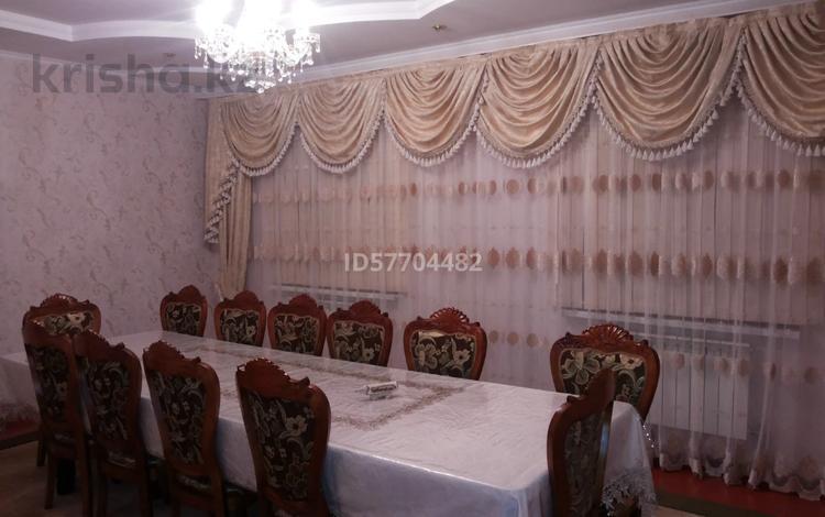 7-комнатный дом, 210 м², 5 сот., 112-й квартал, ул. Акация 25 за 30 млн 〒 в Шымкенте, Абайский р-н