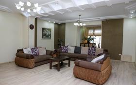 6-комнатная квартира, 230 м², 2/2 этаж, ул Жылкишиева 4 за 70 млн 〒 в Шымкенте, Аль-Фарабийский р-н
