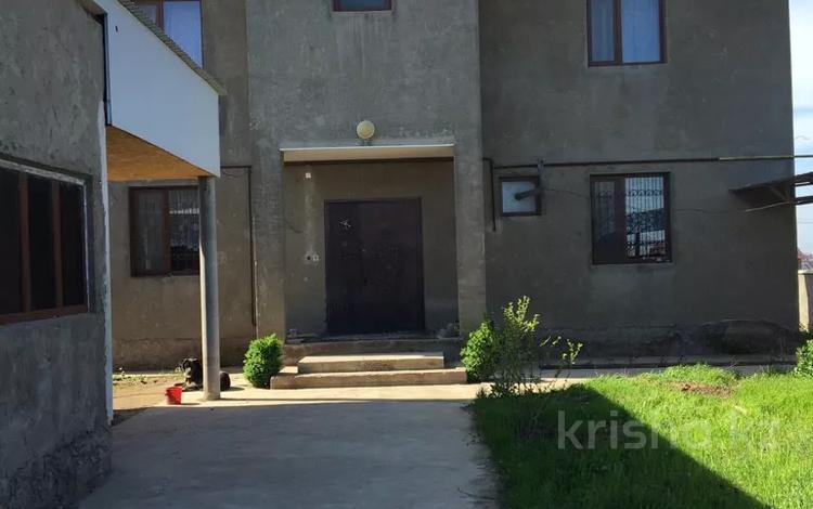 6-комнатный дом, 250 м², 8 сот., Мкр-н Самал-3 за 55 млн 〒 в Шымкенте, Абайский р-н