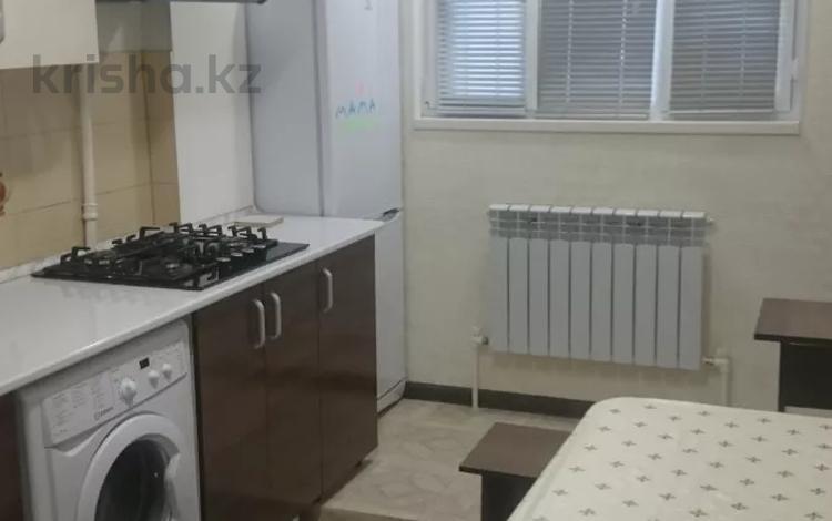 1-комнатная квартира, 30 м², 2/4 этаж помесячно, Байтурсынова 9 — проспект Тауке хана за 90 000 〒 в Шымкенте