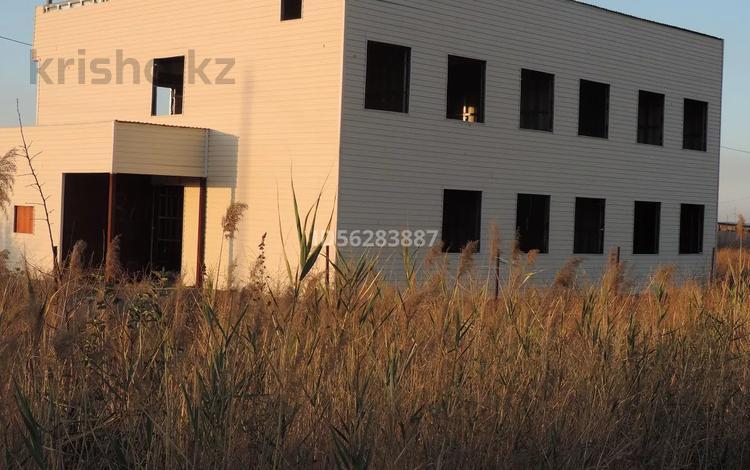 9-комнатный дом, 360 м², 10 сот., Закарпатская улица за 28.8 млн 〒 в Алматы, Турксибский р-н