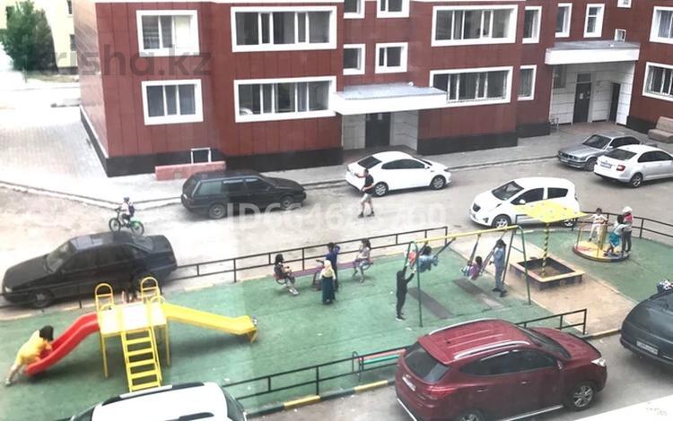 3-комнатная квартира, 87 м², 3/3 этаж, Ермекова 106А за 23 млн 〒 в Караганде, Казыбек би р-н