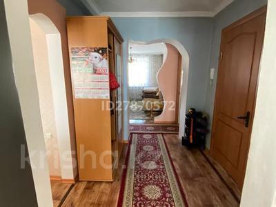 4-комнатная квартира, 75 м², 5/5 этаж, Ленина 10 за 15.9 млн 〒 в Семее — фото 3