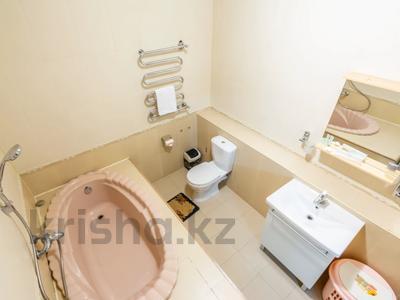 3-комнатная квартира, 170 м², 14/30 этаж посуточно, Аль-Фараби 7 за 25 000 〒 в Алматы — фото 24