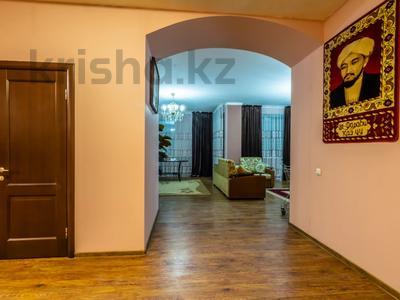 3-комнатная квартира, 170 м², 14/30 этаж посуточно, Аль-Фараби 7 за 25 000 〒 в Алматы — фото 4
