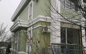 5-комнатный дом, 414 м², 3 сот., мкр Горный Гигант, Жамакаева за 300 млн 〒 в Алматы, Медеуский р-н
