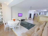 3-комнатная квартира, 120 м², 2 этаж помесячно