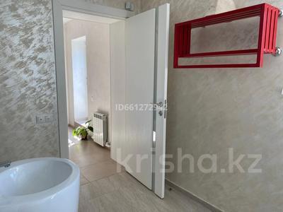 10-комнатный дом, 330 м², 22 сот., Есенжанова 59/8 за 165 млн 〒 в Уральске — фото 28