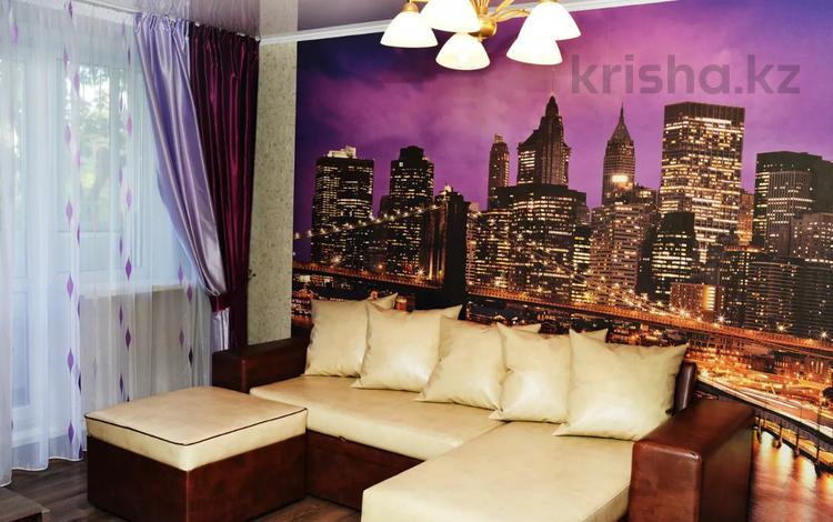 3-комнатная квартира, 65 м², 3/5 этаж посуточно, Алиханова 40 — Гоголя за 14 995 〒 в Караганде, Казыбек би р-н