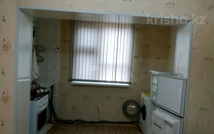 1-комнатная квартира, 44 м², 2/5 этаж, 13-й мкр 36 — Центральная за ~ 8.3 млн 〒 в Актау, 13-й мкр