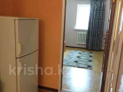 2-комнатная квартира, 45 м², 5/12 этаж посуточно, проспект Тауке Хана 29 — проспект Кунаева за 7 000 〒 в Шымкенте — фото 7