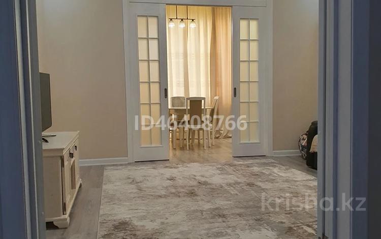 2-комнатная квартира, 75 м², 9/9 этаж, Кошкарбаева за 28.5 млн 〒 в Нур-Султане (Астана), Алматы р-н