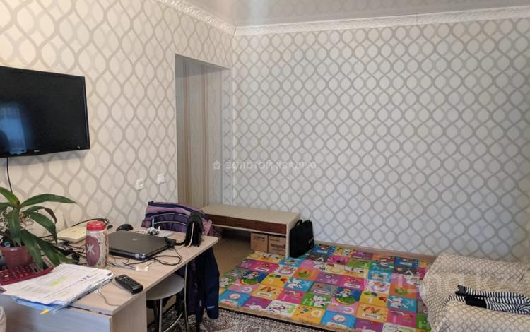 3-комнатная квартира, 56 м², 2/5 этаж, Волочаевская — Приканальная за 15 млн 〒 в Караганде, Казыбек би р-н
