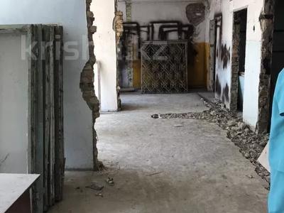 Здание, площадью 1526.3 м², Микрорайон Самал 58 за ~ 76.6 млн 〒 в Таразе — фото 4