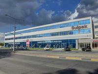 Здание, площадью 7500 м²