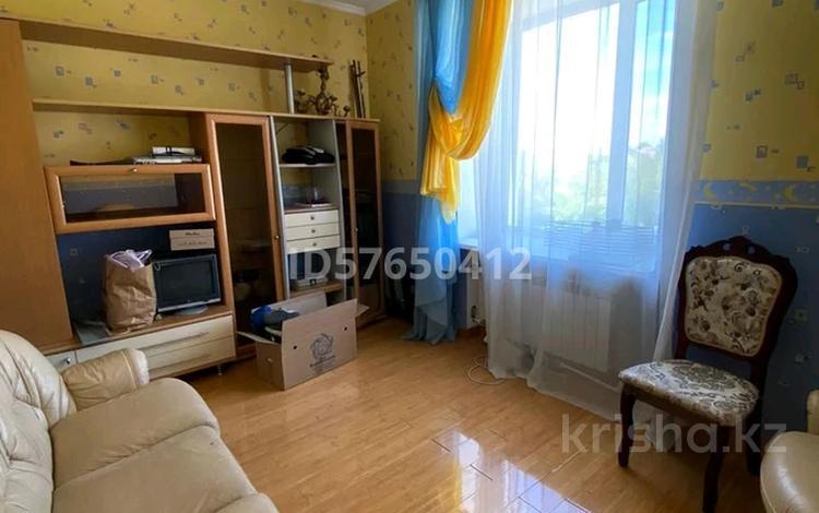 4-комнатная квартира, 170 м², 2/4 этаж помесячно, мкр Новый Город, Ленина за 265 000 〒 в Караганде, Казыбек би р-н