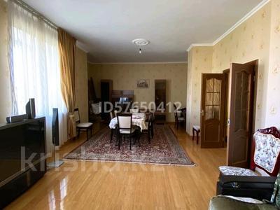 4-комнатная квартира, 170 м², 2/4 этаж помесячно, мкр Новый Город, Ленина за 265 000 〒 в Караганде, Казыбек би р-н — фото 11