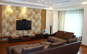 3-комнатная квартира, 130 м², 9/16 этаж помесячно, мкр Самал-2, Достык за 490 000 〒 в Алматы, Медеуский р-н