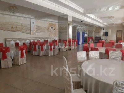 Здание, площадью 2000 м², Алдабергенова 174 — Каблисажырау за 490 млн 〒 в Талдыкоргане — фото 3
