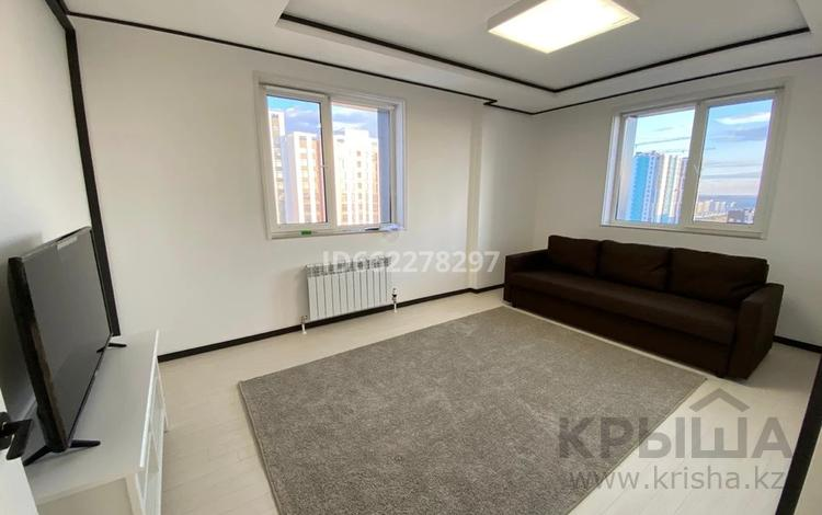 1-комнатная квартира, 49 м², 13 этаж помесячно, Бухар Жырау 20Б за 180 000 〒 в Нур-Султане (Астана), Есиль р-н