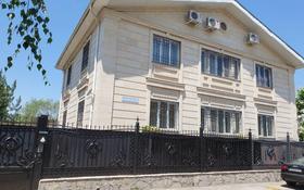 7-комнатный дом помесячно, 550 м², 8 сот., мкр Ремизовка, Мкр Ремизовка за 1.6 млн 〒 в Алматы, Бостандыкский р-н