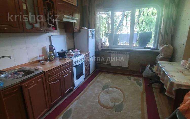 1-комнатная квартира, 42 м², 1/5 этаж, Утеген батыра за 14.5 млн 〒 в Алматы, Ауэзовский р-н