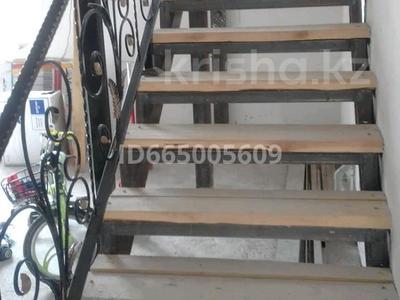 5-комнатный дом, 170 м², 8 сот., ул Шугыла 23 — Жандосова за 25 млн 〒
