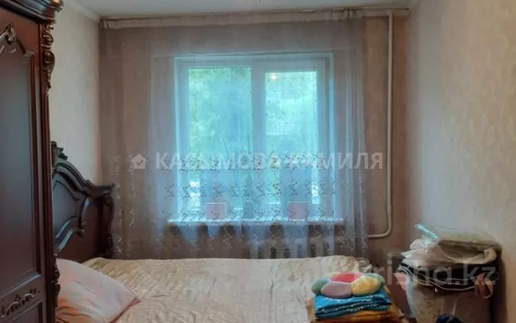 3-комнатная квартира, 58 м², 2/4 этаж, мкр №1 35 за 17 млн 〒 в Алматы, Ауэзовский р-н