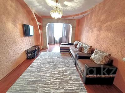 2-комнатная квартира, 60 м², 3/4 этаж посуточно, Г.Иляева 64 — Дулати за 10 000 〒 в Шымкенте, Аль-Фарабийский р-н