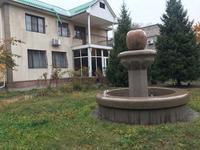 8-комнатный дом помесячно, 320 м², 10 сот.