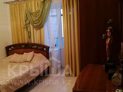 3-комнатная квартира, 80 м², 8/12 этаж помесячно, А 98 — Кошкарбаева за 170 000 〒 в Нур-Султане (Астана), Алматинский р-н — фото 4