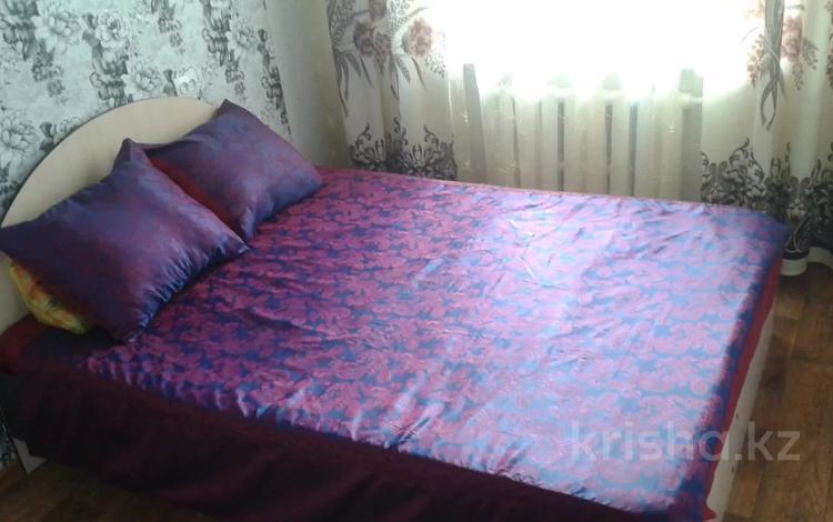 2-комнатная квартира, 50 м² посуточно, Жумабаева 113 — Абая за 7 000 〒 в Петропавловске