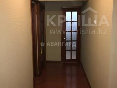 4-комнатная квартира, 85 м², мкр Аксай-4, Улугбека 55 — Бауыржана Момышулы за 25 млн 〒 в Алматы, Ауэзовский р-н — фото 12