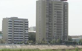 2-комнатная квартира, 70 м², 4/10 этаж помесячно, Смагулова 56Б за 180 000 〒 в Атырау