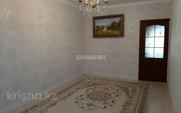 3-комнатная квартира, 70 м², 2/5 этаж, 12-й мкр 57 за 15.5 млн 〒 в Актау, 12-й мкр