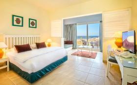 4-комнатная квартира, 260 м², Кирения 2 за 194 млн 〒 в Гирне