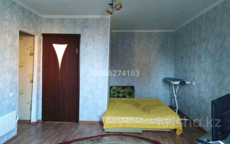 1-комнатная квартира, 37 м², 2/7 этаж помесячно, 5-й мкр 1 за 75 000 〒 в Актау, 5-й мкр