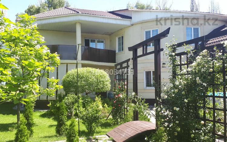 4-комнатный дом, 282 м², 8 сот., 2-ая Остроумова за 68 млн 〒 в Алматы, Турксибский р-н