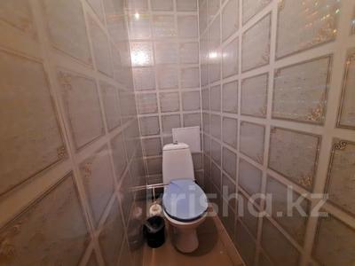 2-комнатная квартира, 51 м², 5/5 этаж, Мкр Северо-Восток-2 за 8.8 млн 〒 в Уральске